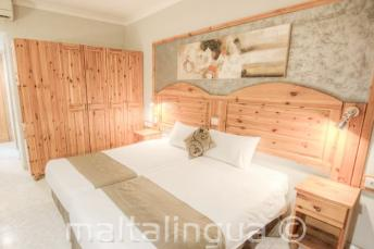 Guest rooms in Alexandra Hotel, St Julians
