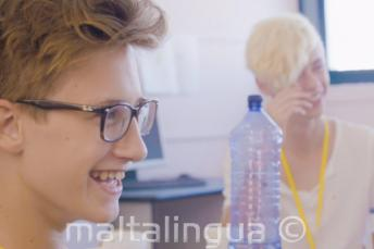 2 students having fun in a classroom