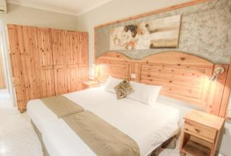 Guest rooms in Alexandra Hotel, St Julians