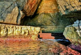 Bright colours in the water at Blue Grotto