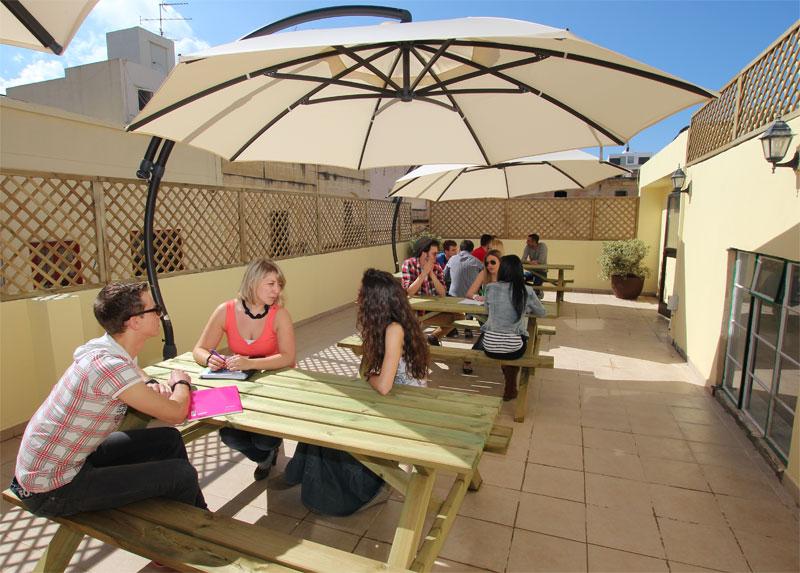 Facilities maltalingua language school roof terrace for Terrace school